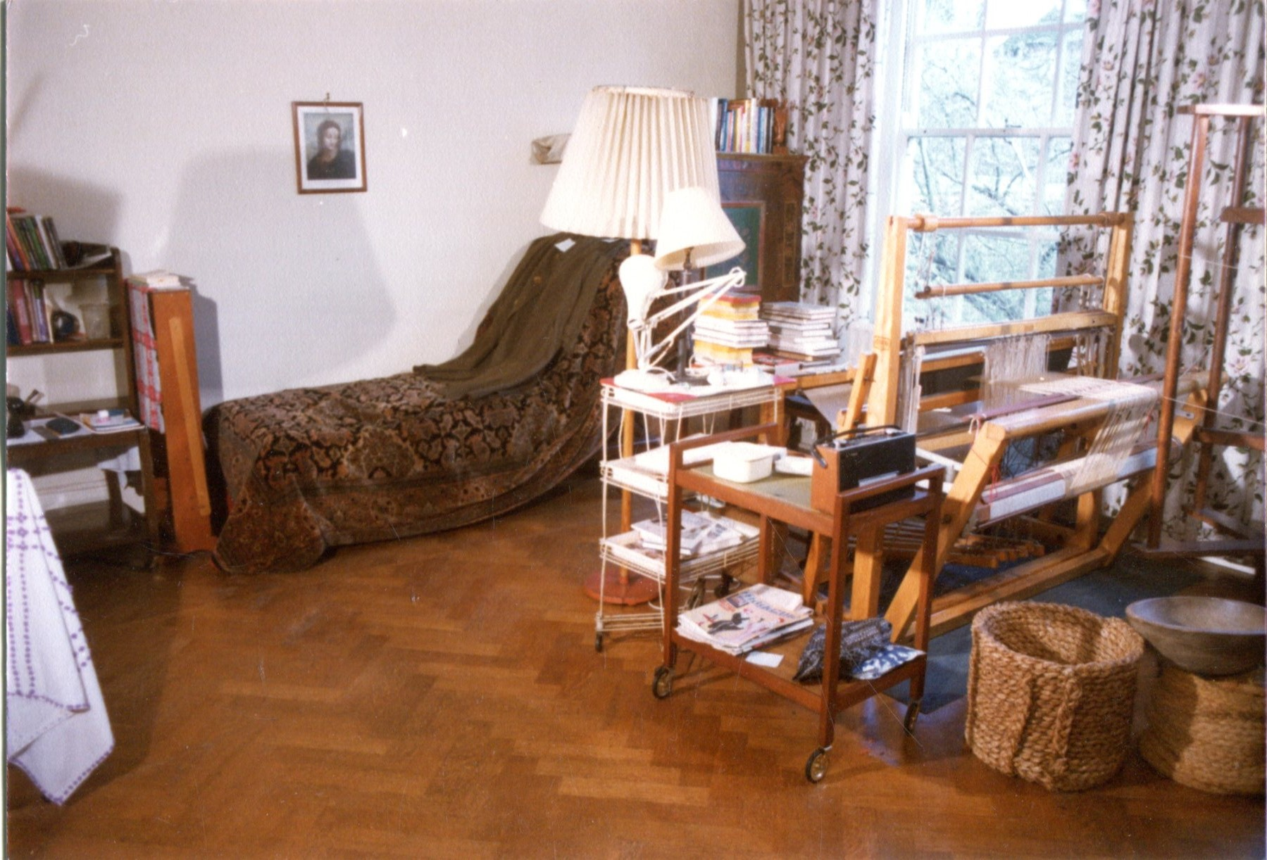 Anna-Freud-bedroom-009
